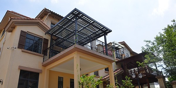 别墅阳光房和停车库结合太阳能发电系统的应用